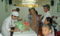 Hội chữ thập đỏ TPHCM triển khai hoạt động từ thiện hỗ trợ người nghèo