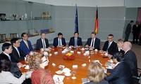 Thủ tướng Nguyễn Tấn Dũng hội kiến với Chủ tịch Quốc hội Đức