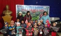 VOV5 trao quà từ thiện cho đồng bào nghèo xã Xín Cái, huyện Mèo Vạc, tỉnh Hà Giang