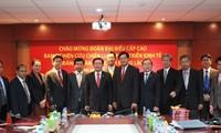Trao đổi hợp tác kinh tế Việt Nam-CHDCND Lào