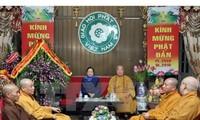Trưởng Ban Dân vận Trung ương Hà Thị Khiết chúc mừng Giáo hội Phật giáo Việt Nam mùa Phật đản 2015