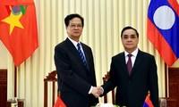 Việt Nam và Lào ký ghi nhớ về Chiến lược hợp tác trong lĩnh vực giao thông vận tải