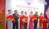 Khai mạc Triển lãm báo chí Việt Nam 2016  tại Lào