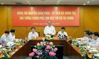 Thủ tướng Nguyễn Xuân Phúc làm việc với Bộ Tài chính