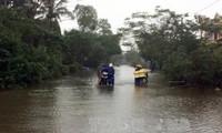 Mặt trận Tổ quốc Việt Nam hỗ trợ các tỉnh miền Trung bị thiệt hại do mưa lũ