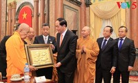 Đoàn đại biểu Việt kiều và Phật giáo chào Chủ tịch nước và thăm một số cơ quan tại Hà Nội