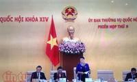 Ủy ban thường vụ Quốc hội chất vấn hai thành viên  Chính phủ