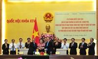 Ủy ban Thường vụ Quốc hội, Chính phủ,  Ủy ban TW Mặt trận Tổ quốc Việt Nam ký nghị quyết liên tịch