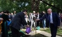 Chủ tịch Trần Đại Quang dâng hoa tượng Chủ tịch Hồ Chí Minh ở thủ đô Moscow