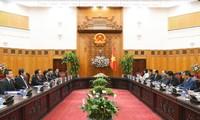 Thủ tướng Nguyễn Xuân Phúc tiếp Thống đốc tỉnh Kanagawa, Nhật Bản