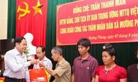 Chủ tịch Ủy ban Trung ương MTTQ thăm đồng bào bị ảnh hưởng do mưa lũ tại tỉnh Điện Biên
