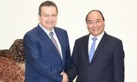 Thủ tướng Nguyễn Xuân Phúc tiếp Phó Thủ tướng thứ nhất, Bộ trưởng Ngoại giao Serbia
