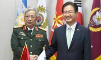 Việt Nam kiên quyết bảo vệ chủ quyền trên Biển Đông trên cơ sở luật pháp quốc tế đã quy định