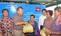 Nghĩa tình Việt Nam với người dân vùng Biển Hồ Campuchia