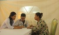 Thanh niên tình nguyện Việt Nam tổ chức các hoạt động từ thiện tại Campuchia