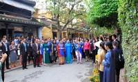 Một Việt Nam đặc sắc trong mắt các Phu nhân Trưởng đoàn APEC 2017