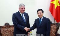 Phó Thủ tướng, Bộ trưởng Ngoại giao Phạm Bình Minh tiếp Chủ tịch Tổ chức nhân đạo Quốc tế, Hoa Kỳ