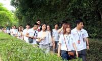 Người Việt trẻ với văn hóa dân tộc