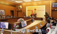 Phó Chủ tịch QH Tòng Thị Phóng gặp mặt Đoàn cựu giáo viên kiều bào tại Thái Lan về thăm Việt Nam