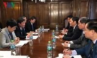Bộ trưởng Trần Tuấn Anh gặp song phương với đại diện Nhật Bản, Chile và Mexico