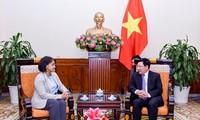 Phó thủ tướng, Bộ trưởng Ngoại giao Phạm Bình Minh tiếp Quốc vụ khanh Bộ Ngoại giao-Hợp tác QT Maroc