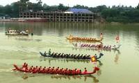 Hội bơi chải truyền thống trên sông Lô năm 2018