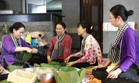 Hội thi gói, nấu bánh chưng: nét đẹp văn hóa dịp Giỗ Tổ