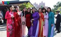 Văn hóa Việt gắn kết tình cảm con người