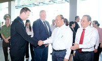 Thủ tướng Nguyễn Xuân Phúc thăm và làm việc tại Tổ hợp nhà máy sản xuất ô tô, xe máy điện VinFast