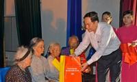 Chủ tịch UB TƯMTTQVN Trần Thanh Mẫn thăm, tặng quà các gia đình chính sách