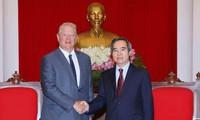 Trưởng ban Kinh tế Trung ương Nguyễn Văn Bình tiếp cựu Phó Tổng Thống Hoa Kỳ Al Gore