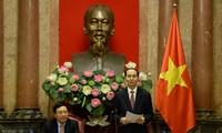 Chủ tịch nước Trần Đại Quang gặp mặt các Trưởng Cơ quan đại diện Việt Nam ở nước ngoài
