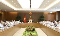 Thủ tướng Nguyễn Xuân Phúc chủ trì họp Thường trực Chính phủ