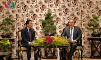 Phát triển mối quan hệ hữu nghị đặc biệt Việt Nam - Lào
