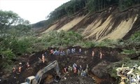 Thủ tướng Nguyễn Xuân Phúc gửi điện thăm hỏi sau trận động đất lớn kèm theo sạt lở đất tại Nhật Bản