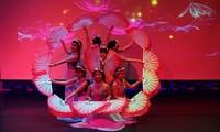 Gắn kết văn hóa Việt ở nước ngoài qua hoạt động của thanh niên