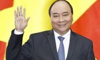 Thủ tướng Nguyễn Xuân Phúc đến Papua New Guinea tham dự APEC 26
