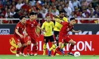 Việt Nam vượt qua Malaysia ở vòng đấu bảng AFF Suzuki Cup 2018