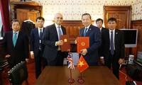 Bộ trưởng Bộ Công an Tô Lâm thăm và làm việc tại Vương quốc Anh