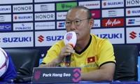 AFF Suzuki Cup 2018: Truyền thông Hàn Quốc ca tụng chiến thuật của HLV Park Hang-seo