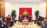 Trưởng ban Tuyên giáo Trung ương Võ Văn Thưởng tiếp Phó Thủ tướng Singapore