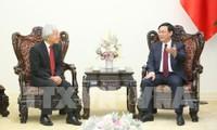 Phó Thủ tướng Vương Đình Huệ tiếp giám đốc cấp cao J Trust