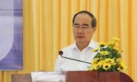 Bí thư Thành ủy TPHCM thăm, tặng quà các Mẹ Việt Nam Anh hùng, gia đình chính sách