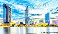 Việt Nam giữ vững mục tiêu phát triển kinh tế, xã hội