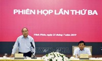 Thủ tướng chủ trì họp Tổ biên tập Tiểu Ban kinh tế - xã hội Đại hội XIII của Đảng