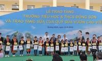 Chủ tịch Quốc hội Nguyễn Thị Kim Ngân thăm, làm việc tại huyện Hoành Bồ, Quảng Ninh