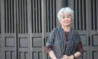 Nhà thơ Bùi Kim Anh: 'Bán buồn là để làm quà cho vui'