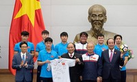 Prime Minister gives rousing welcome to U23 Vietnam team