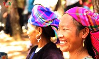 Người Mông ở Lai Châu hồ hởi làm du lịch