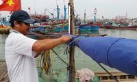 Centro de Vietnam lucha contra el supertifón Haiyan